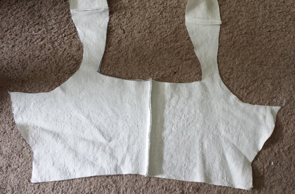 Making a kirtle to wear under my kirtles – Research Dumping
